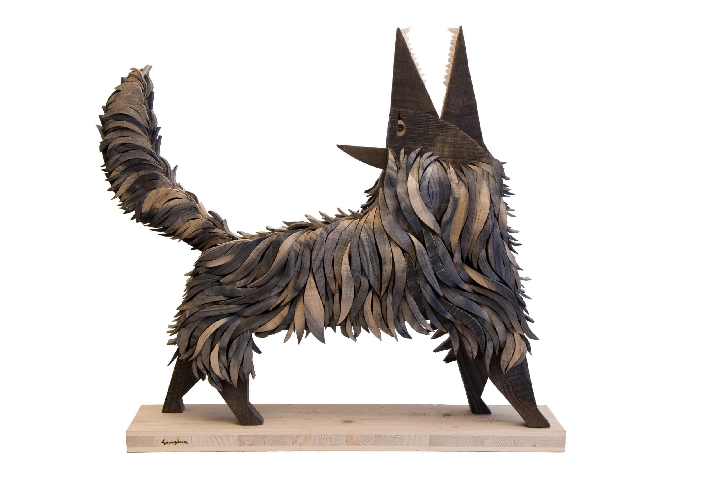 Scultura in legno Lupo nero - Dimensione media 75 x 20 x 67  cm (b x p x h)
