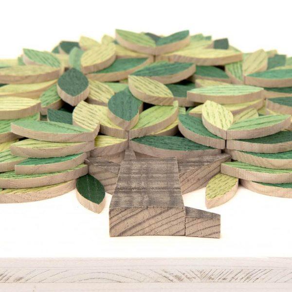 Quadro Albero della vita in legno - Sfumature verdi - Particolare dal basso
