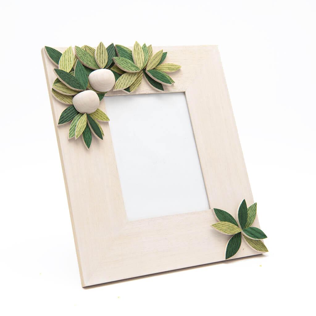 Cornice portafoto in legno realizzata a mano - verticale - decorazione estate - dimensioni cm 25 x 4 x 31
