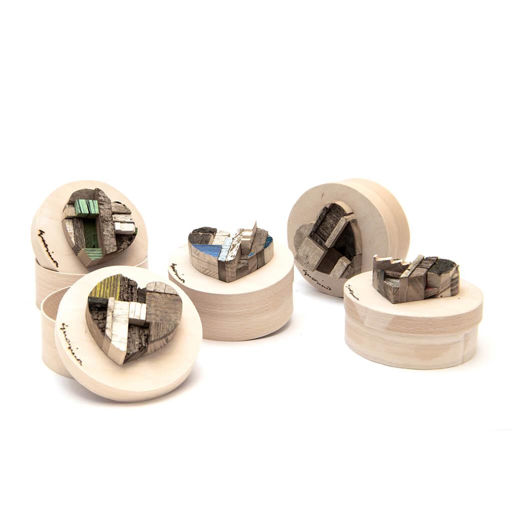Scatole in legno realizzate a mano - Guasina - ogni scatola misura 9,5 cm di diametro, con un'altezza di 6 cm
